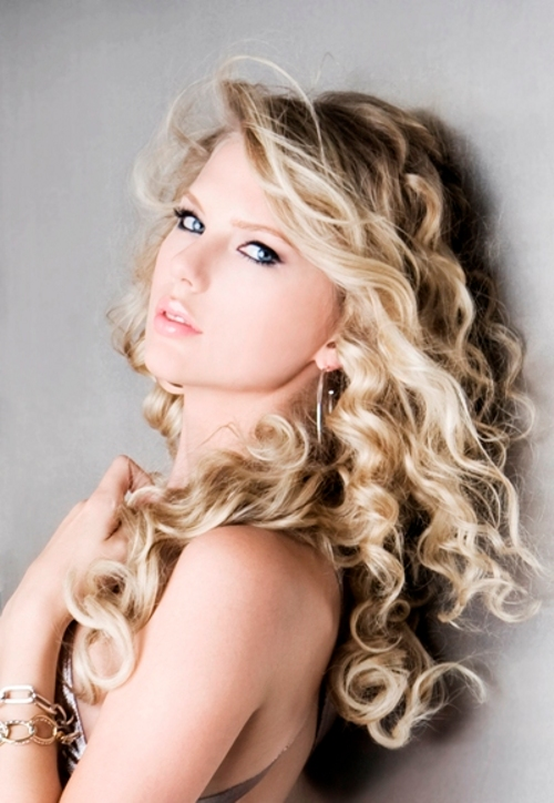 Taylor Swift's music isn't very good, but she really is gorgeous ...