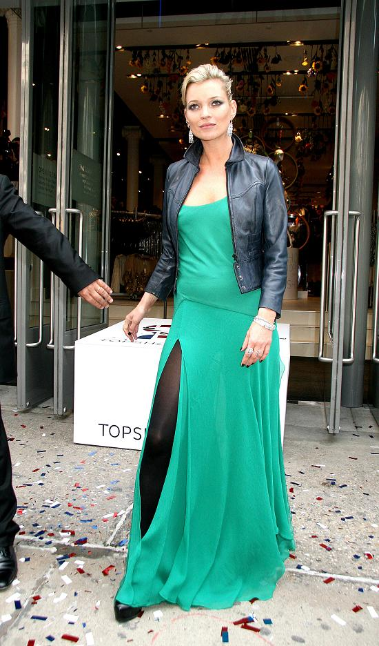 fp_2059423_moss_topshop_opening_nyc_040109